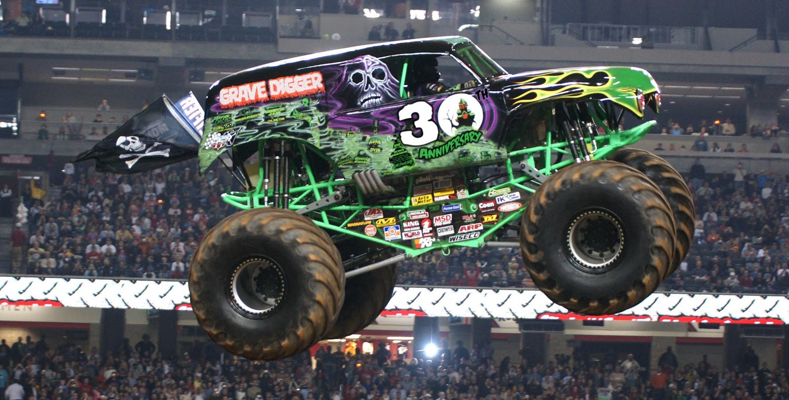 GRAVE DIGGER 30 FLEET PHOTO d7